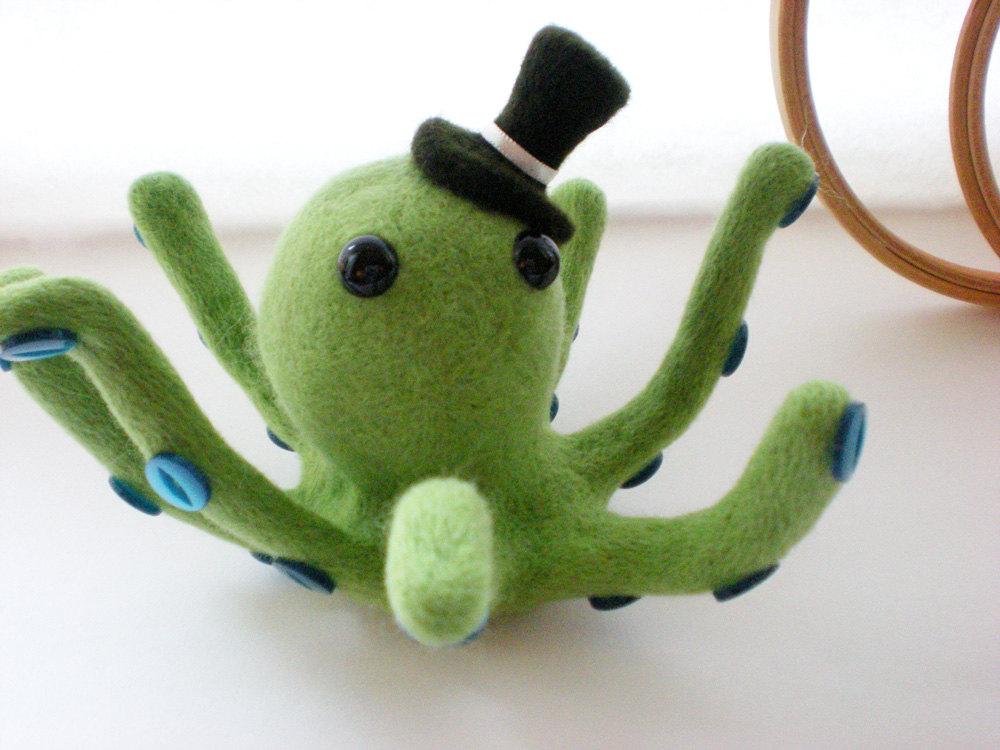 Mr. Octo Pús - Green Octopus Needle Felted Sculpture